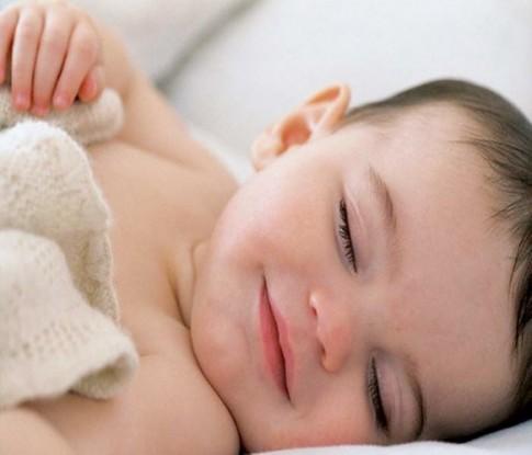 Cho con đi ngủ muộn để trẻ ngủ ngon giấc hơn?