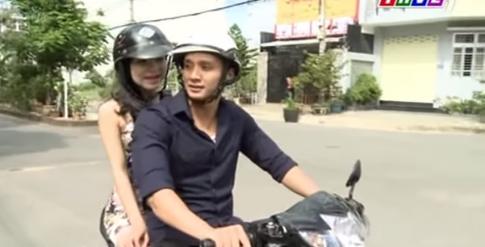 [Clip] Dùng mỹ nhân kế để cướp xe máy