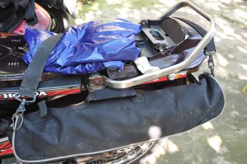Cột đồ như thế nào khi đi phượt bằng xe máy ?