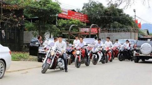 Đám cưới phô trương bằng xế khủng tại Hà Tĩnh