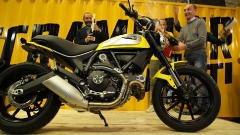 """Ducati Scrambler giá """"mềm"""" được xuất xưởng đầu tiên tại Ý"""