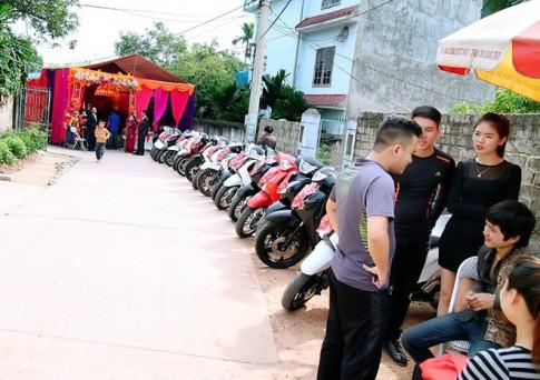 Gần 20 chiếc Honda SH đi rước dâu ở Thái Nguyên