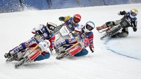 Giải đua xe đặc biệt nhất hành tinh - đua xe trên băng