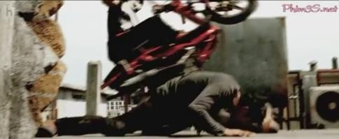 Hàng chục xe máy góp mặt trong phim võ thuật