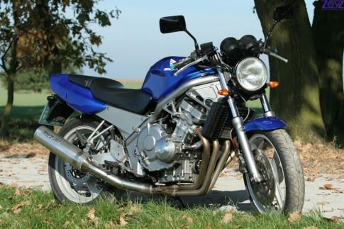Honda CB400 đời đầu và những điều ít ai biết