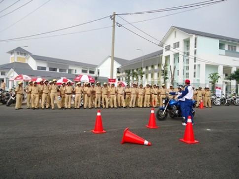Honda Việt Nam đào tạo lái xe phân khối lớn cho CSGT các tỉnh