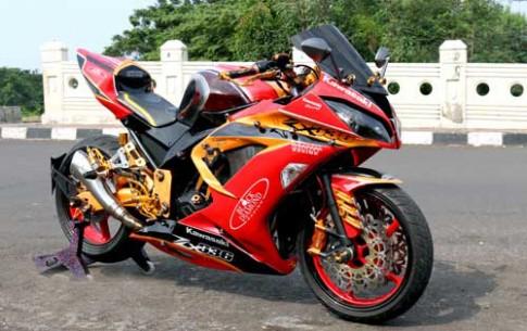 Kawasaki Ninja 250 do theo dan anh Ninja Zx-6r