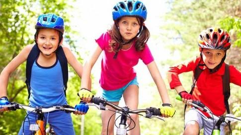Lưu ý khi cho trẻ tập xe đạp sau vụ bé trai vỡ tụy vì ngã xe