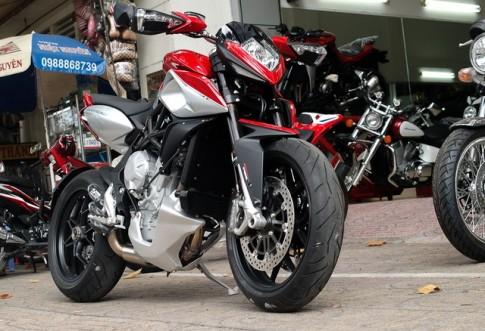 MV Agusta Rivale 800 2014 dau tien tai Sai Gon