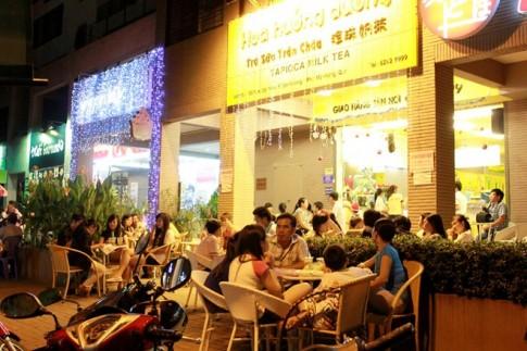 Nhộn nhịp đón Giáng Sinh tại khu Kênh Đào.