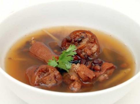 Những món ăn và vị thuốc chữa bệnh mùa thu