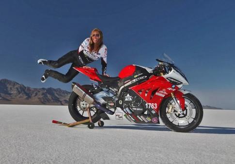 """Nữ biker nỗi bật nhất của năm """"Valerie Thompson"""""""