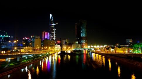 Sài Gòn, lỡ như mai này có mệt mỏi thì biết tựa vào ai?