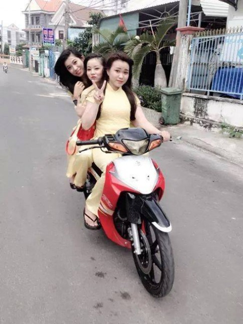 Su Xi po va nhung em gai 'nong noi' day ca tinh