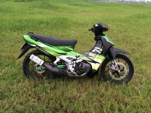 Suzuki Satria do phong cach Kawasaki