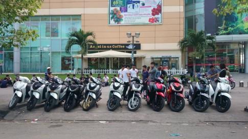 Tour Bò Cạp Vàng của hội SH 2013 Sài Gòn.