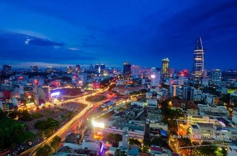 Trải nghiệm một Sài Gòn về đêm lung linh, huyền ảo