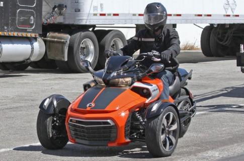 Xe 3 bánh Can-Am Spyder 'new line' chăng