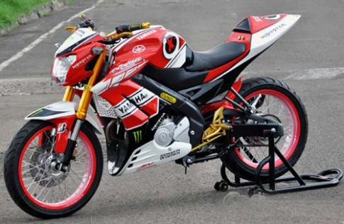 Yamaha V-ixion độ Streetfighter