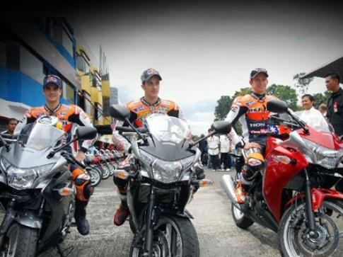 Yamaha và Honda ganh đua ở thị trường xe máy lớn thứ 3 thế giới