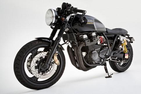 Yamaha XJR400 phong cách 'cafe racer'
