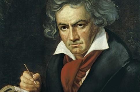 """Bí mật """"động trời"""" về cách thiên tài Beethoven soạn nhạc."""