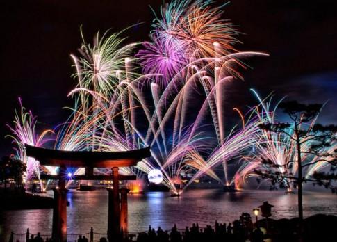 'Đại tiệc' pháo hoa rực rỡ chào đón năm 2015 trên khắp thế giới