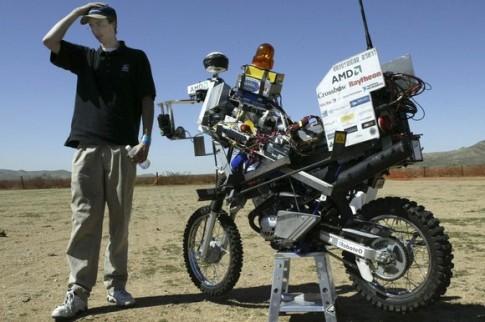 Google đang thử nghiệm và phát triển môtô tự lái