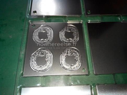 Logo quả táo trên MacBook Air 12 inch sẽ không phát sáng