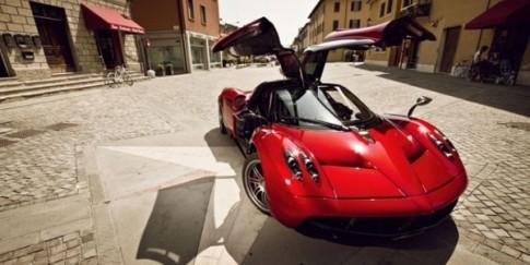 """Ông chủ Facebook muốn đặt mua siêu xe """"thần gió"""" Pagani Huayra?"""
