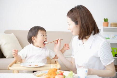 Sai lầm hay mắc phải khi nấu ăn cho bé