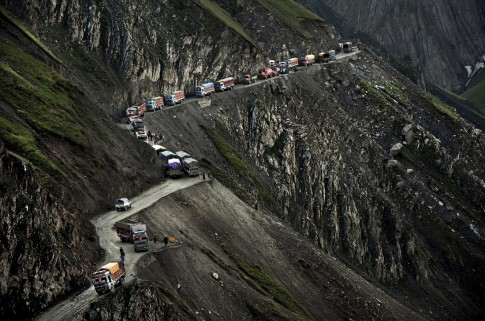 'Thót tim' trên những con đường nguy hiểm nhất hành tinh
