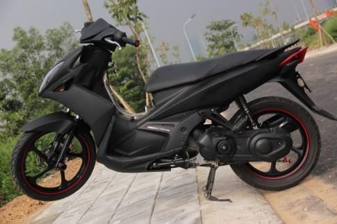 Yamaha Nouvo LX đen huyền bí