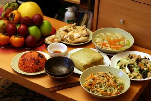 5 lưu ý không thể bỏ qua khi ăn uống trong ngày Tết