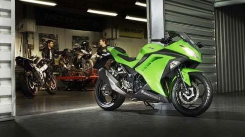 Kawasaki Ninja 300 ra mắt tại Indonesia với giá 137 triệu đồng