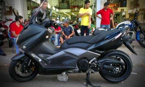 Yamaha TMax 530 phiên bản iRon Max về Việt Nam