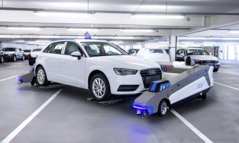 Audi đang sử dụng robot đỗ xe tự động