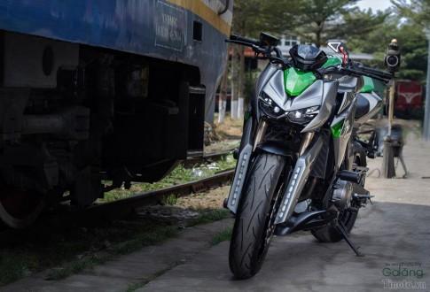 Kawasaki Z1000 voi dan ao cuc chat
