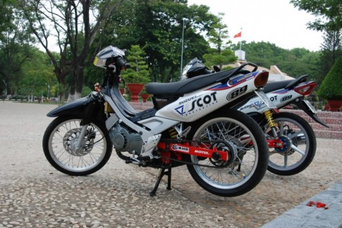 Suzuki Sport do phong cach Scot Racing