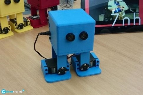 Xem robot nhảy giống hệt Michael Jackson