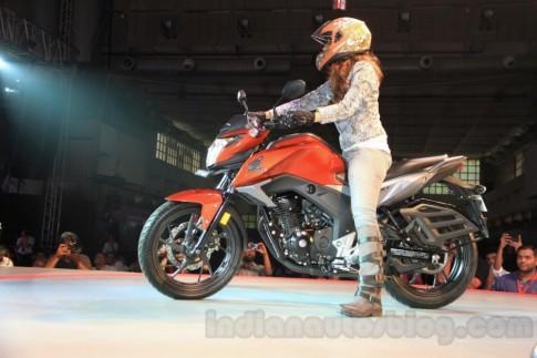 Honda CB Hornet 160R ra mắt tại Ấn Độ