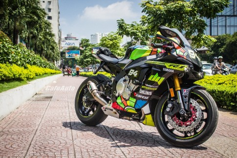 Yamaha R1 2015 tuyet dep voi phong cach Velentino Rossi