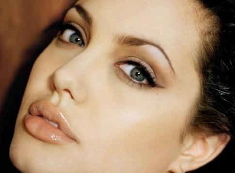 5 đặc điểm trên gương mặt phụ nữ có tướng giàu sang