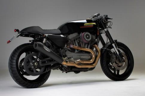 Harley-Davidson XR1200 lam ly va cung cap voi phien ban do Cafe Racer