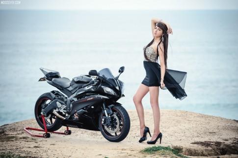 Hung thần Yamaha R6 siêu ngầu bên cô nàng xinh đẹp