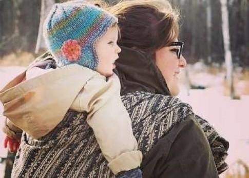 10 sai lầm gây tai họa khi địu con mà cha mẹ mắc phải
