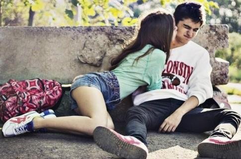 """6 lý do khiến tin nhắn """"em yêu anh"""" trở thành trào lưu gây sốt"""