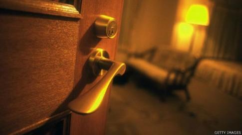 7 điều giúp bạn 'vượt qua nỗi sợ' khi một mình ở khách sạn