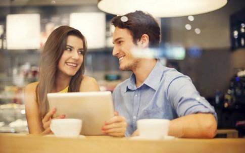 """7 điều lợi lộc khi bạn yêu một người """"khác mình mười mươi"""""""