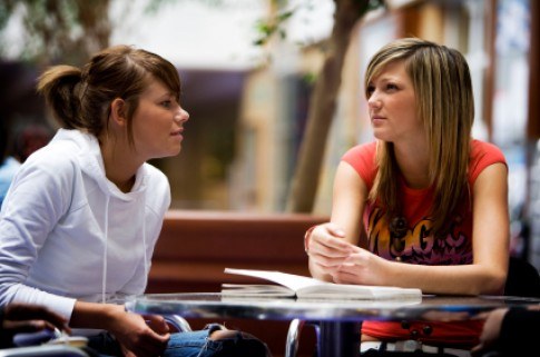 8 cách để giữ vững tình bạn sau khi cãi nhau